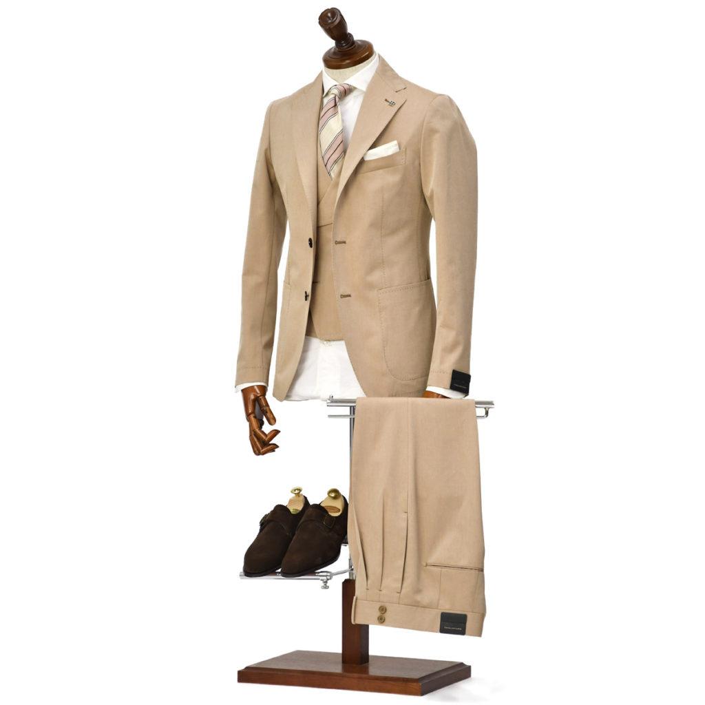 15周年ノベルティー付き TAGLIATORE【タリアトーレ】コットン3ピースシングルスーツをご紹介致します。