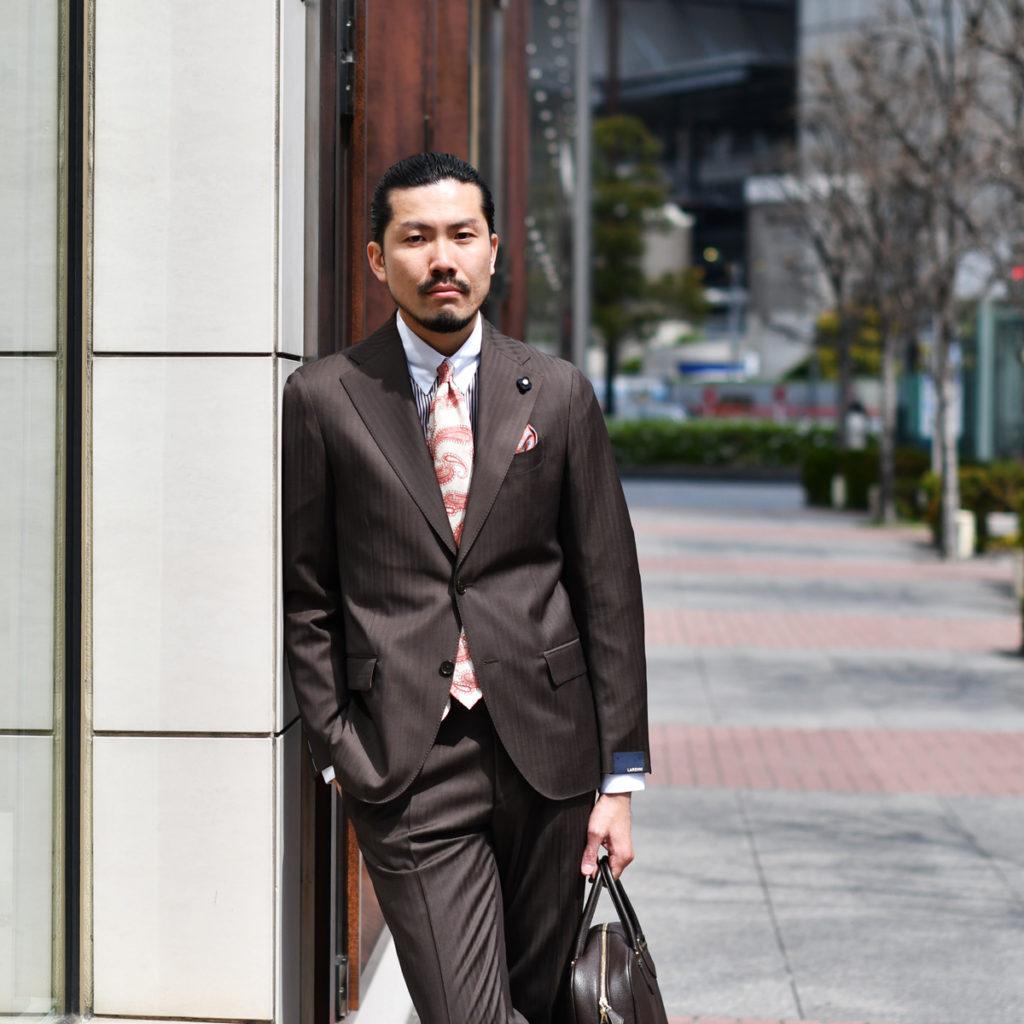 ウォームカラーのワントーンビジネススタイル LARDINI【ラルディーニ】