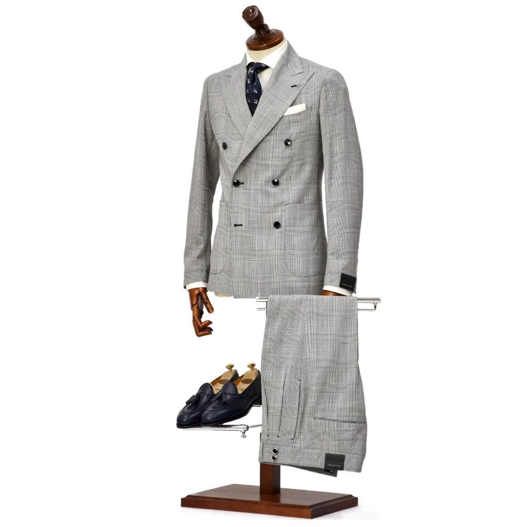 TAGLIATORE【タリアトーレ】ダブルスーツをご紹介致します。
