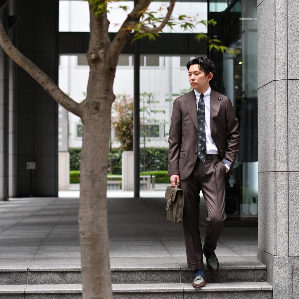 濃いBROWNには濃いGREENなスーツスタイル LARDINI【ラルディーニ】