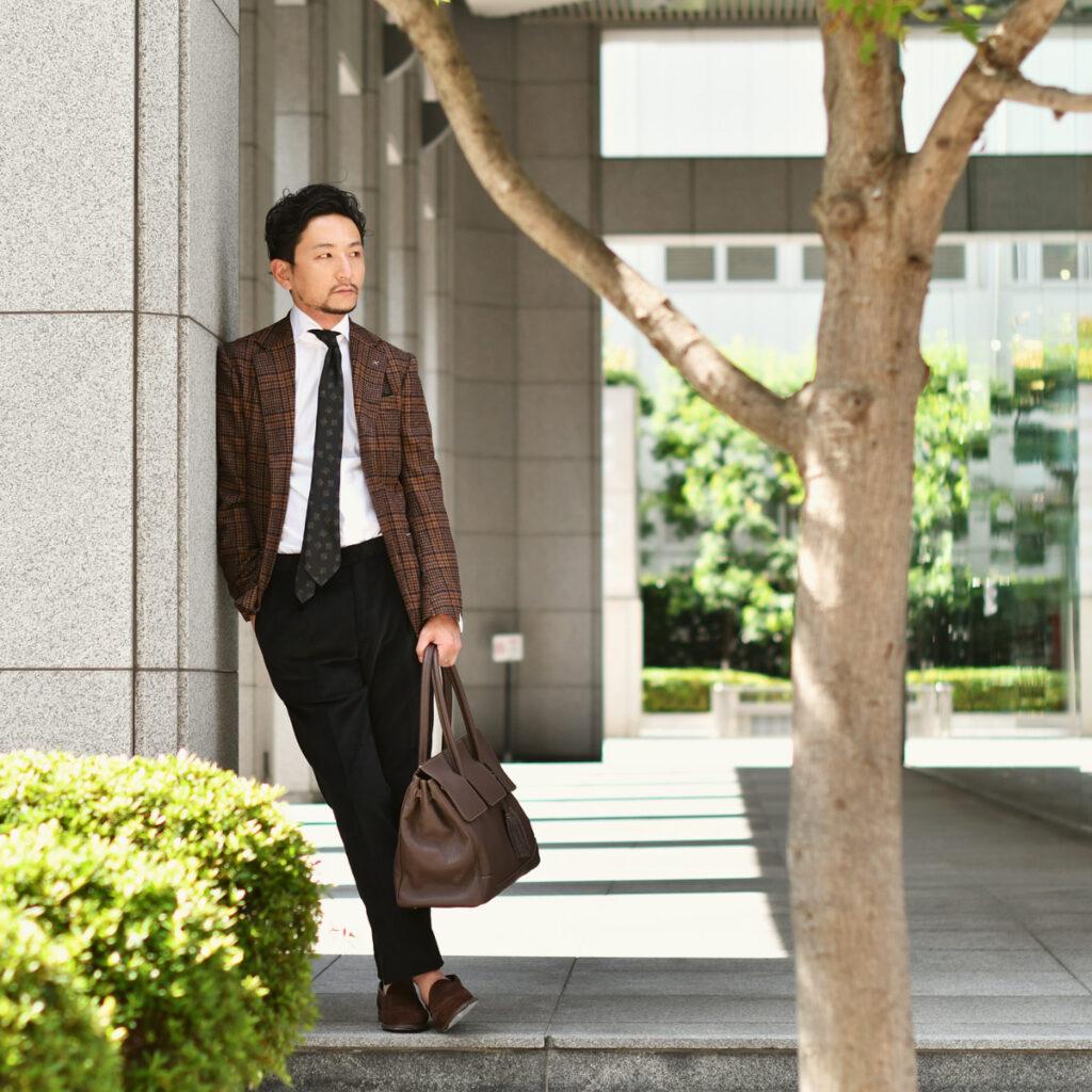 ブラウン×ブラックで纏めた都会的な秋コーデ!!