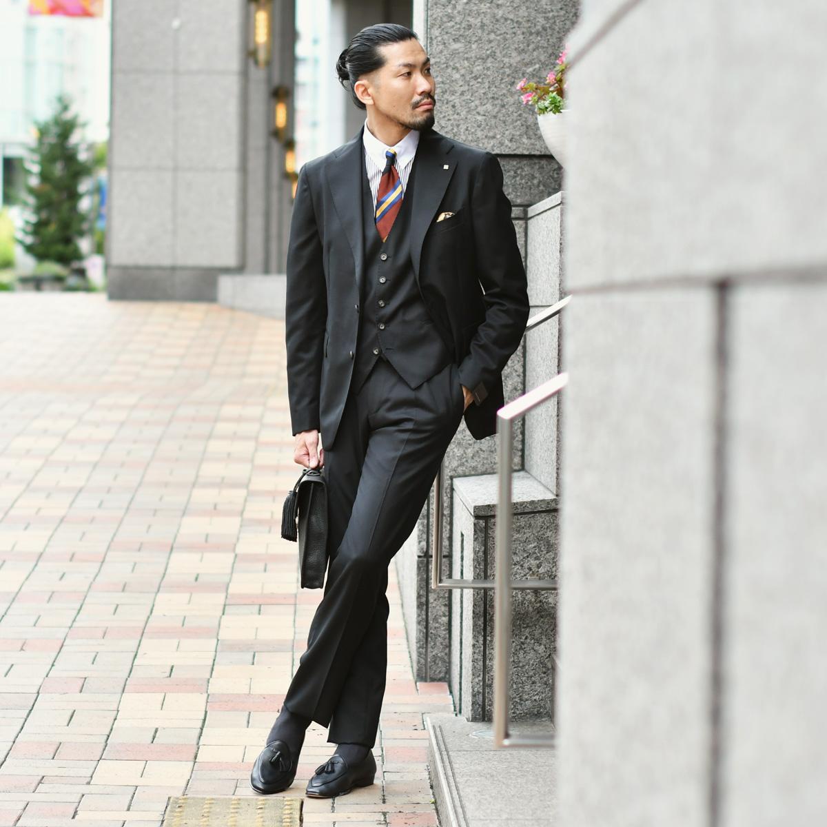 BLACK×BROWNがビジネススタイルをモダンに引き締めTAGLIATORE【タリアトーレ】