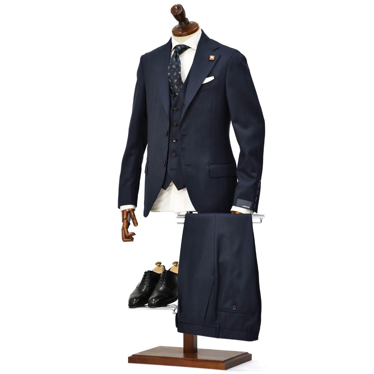LARDINI【ラルディーニ】シングルスーツをご紹介致します。