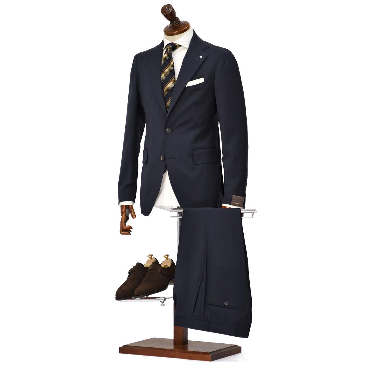 TAGLIATORE【タリアトーレ】無地シングルスーツをご紹介致します。