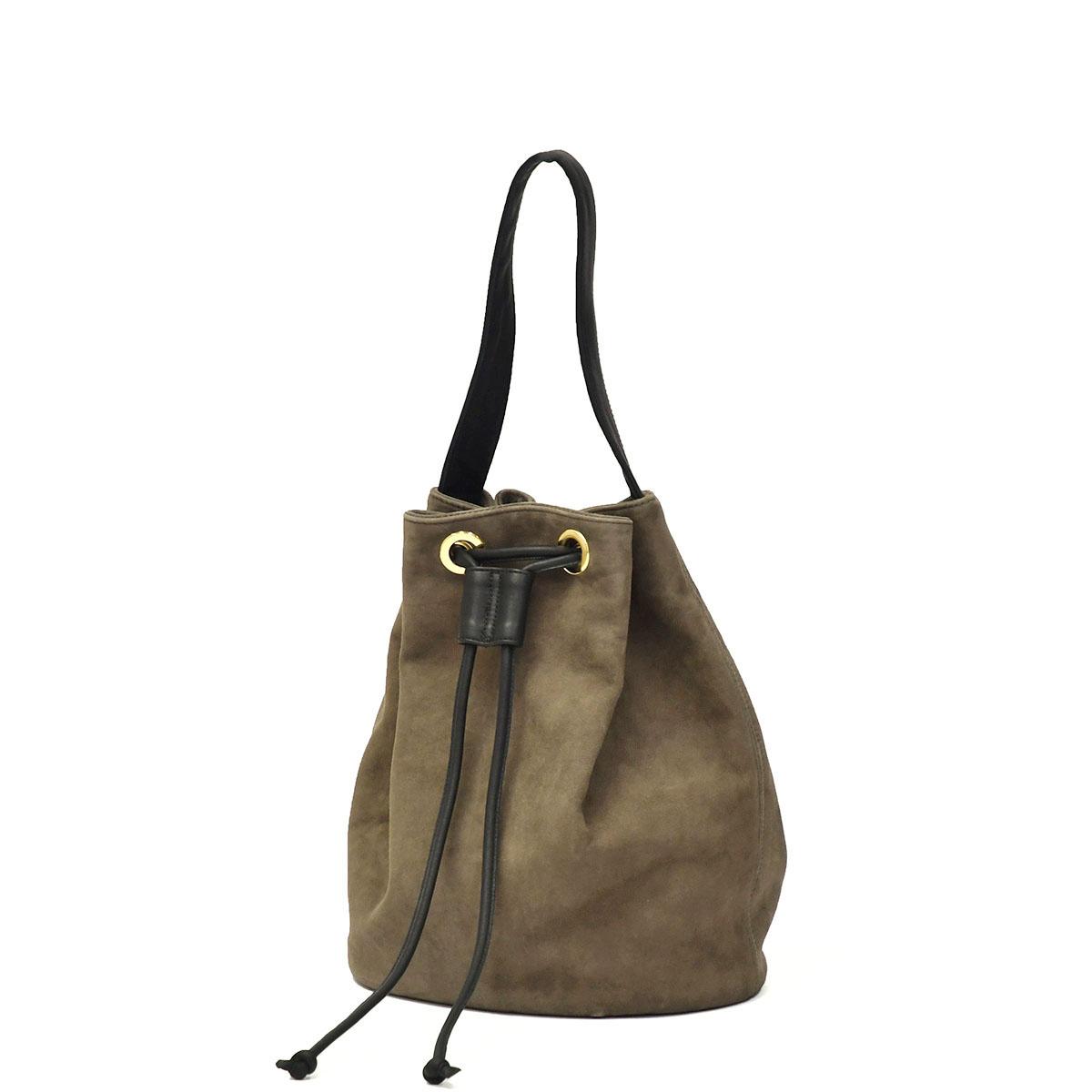 Cinquanta【チンクアンタ】ドローストリングバッグをご紹介致します。